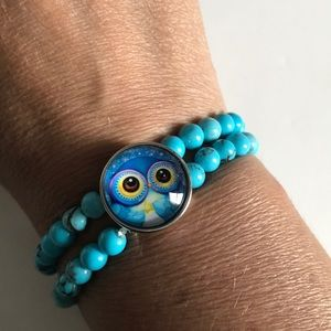 Jewelry - Turquoise beaded snap bracelet with snap